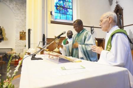 Mgr. Jean Bertin Nadonye bij ons