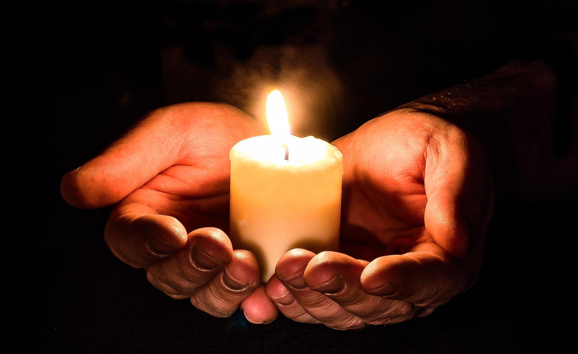 Het gebed voor de zorgwekkende, pandemische toestand in India.